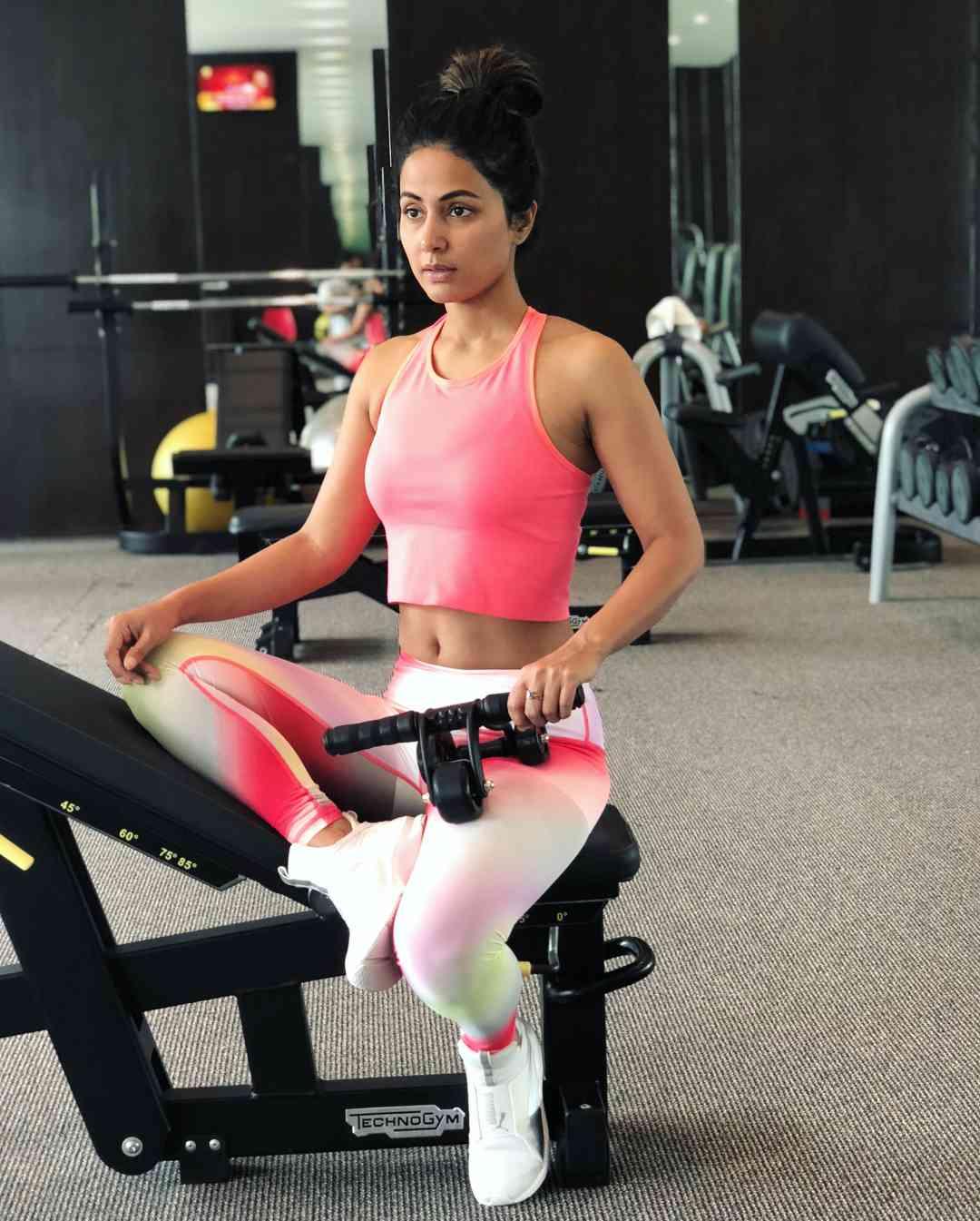 Hina Khan to make Bollywood debut soon - Satya Hindi