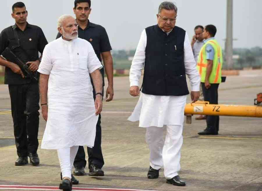 why pm modi picture was out of poster banner in chhattisgarh - Satya Hindi